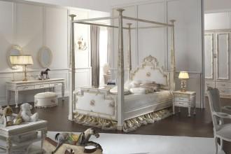 HONEY BEDROOM